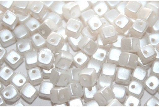 Crisscross Cubes Pastel White 4mm 50pcs
