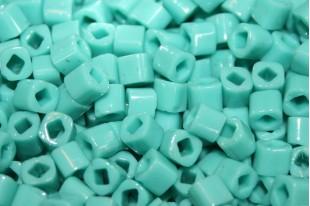 Toho Cubes 4mm